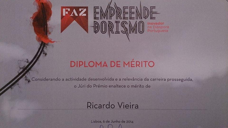 D Diploma de Merito pela pres da República