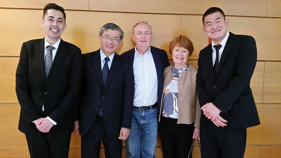 D mt feliz com embaixadores de Franca e Japao